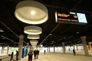 Dopravná časť autobusovej stanice je od dnes v testovacej prevádzke.