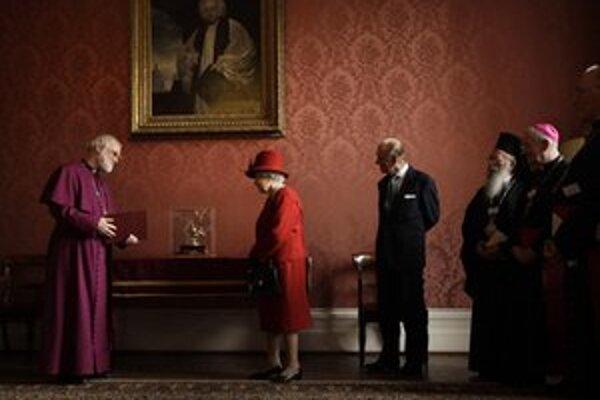 Rowan Williams počas stretnutia s kráľovnou.