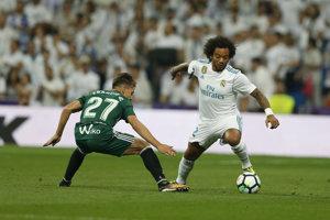 Marcelo (vpravo) sa zranil v zápase proti Betisu Sevilla.