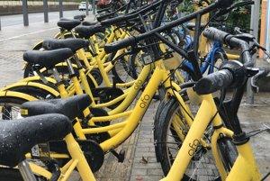 Do Prahy dorazili čínske bicykle ofo, ide o najväčšiu bikesharingovú službu na svete