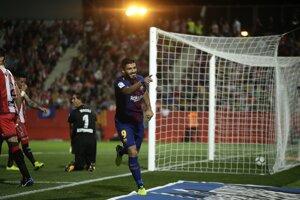 Luiz Suarez z FC Barcelona sa raduje zo svojho gólu.