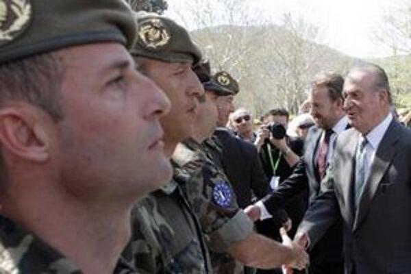 Španielsky kráľ a bosnianski vojaci.