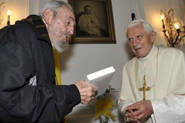 Pápež sa stretol aj s Fidelom Castrom.