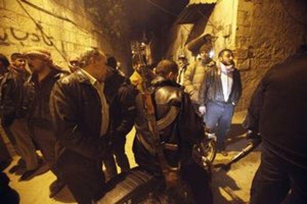 Sýrski vzbúrenci v meste Idlib.