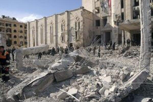 Situácia v Sýrii pripomína občiansku vojnu.