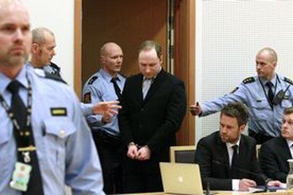 Anders Behring Breivik na súde.