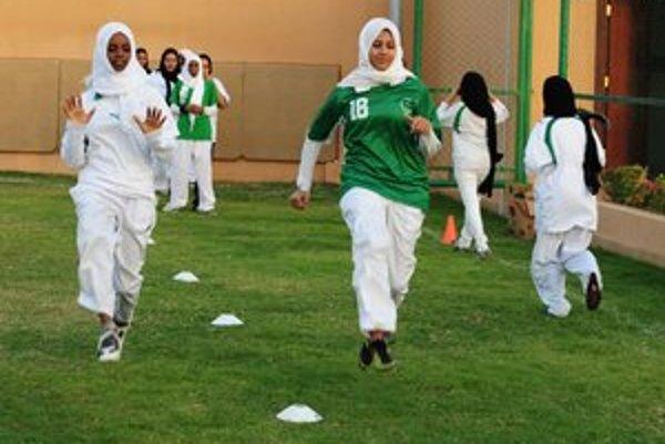 Takýto futbalový tréning je v Saudskej Arábii pre ženy neprípustný.