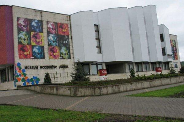 Slávne múzeum v Medzilaborciach.