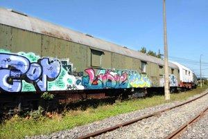 Zabezpečený vozeň. Do niektorých vagónov sa vandali dostanú len ťažko.