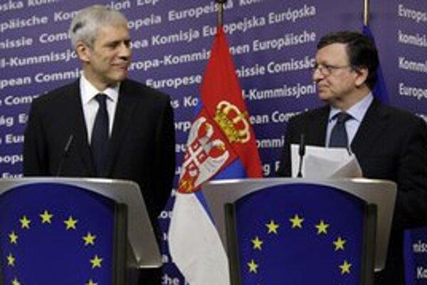 Srbský prezident Boris Tadič s predsedom Európskej komisie Josém Manuelom Barrosom.