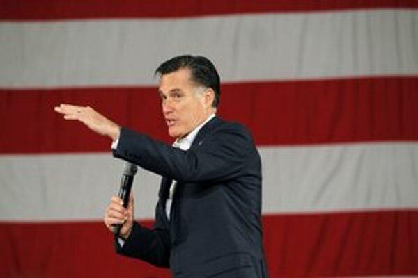 Romney na mítingu v meste Fargo.