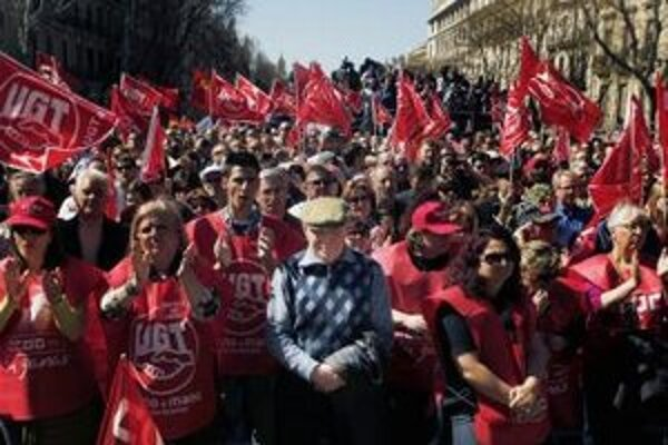 Španieli sa v uliciach pripravovali na generálny štrajk.