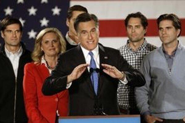 Republikánsky kandidát Mitt Romney zvíťazil tesne o osem hlasov.
