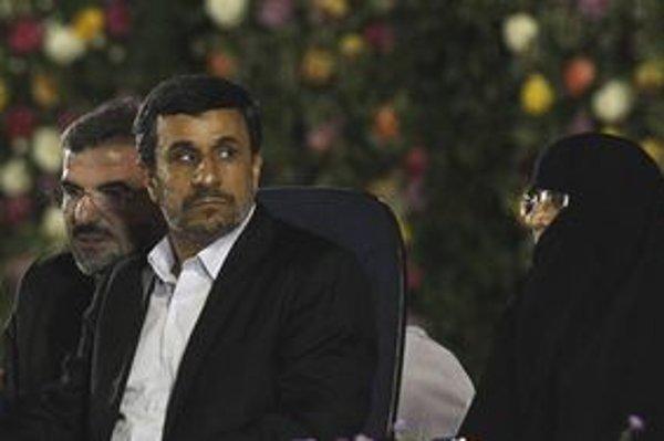 Dánsko chce pritlačiť na Ahmadínedžádov režim.