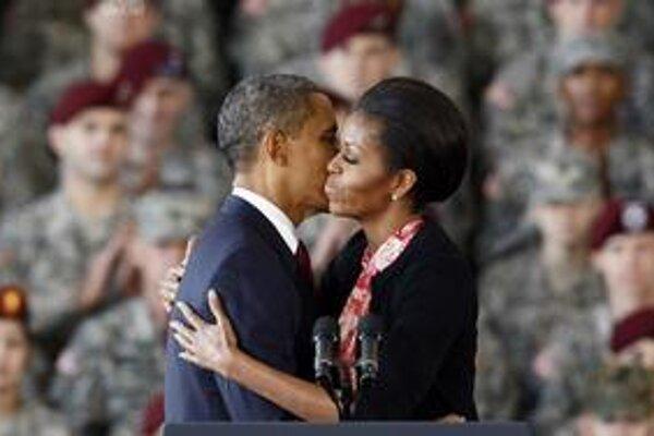 Obamovú vníma pozitívne skoro 70 percent Američanov.