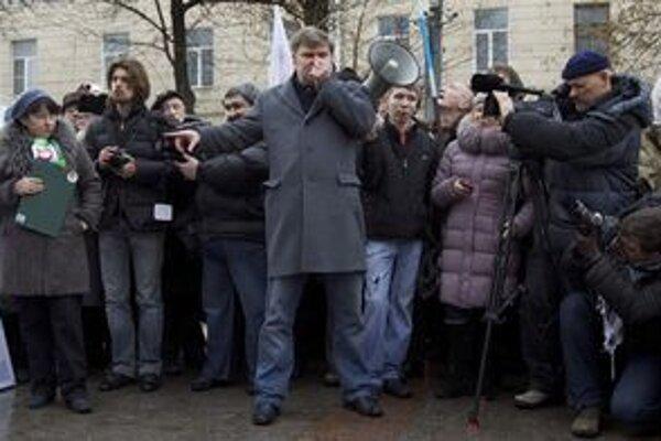 Sergejovi Mitrochinovi hrozí 15-dňové väzenie.