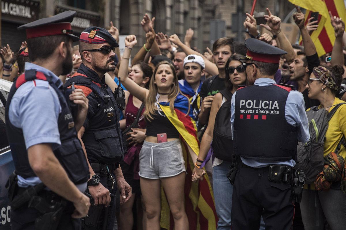 df2068bc813f6 FOTO: Katalánci vstúpili do generálneho štrajku - Svet SME