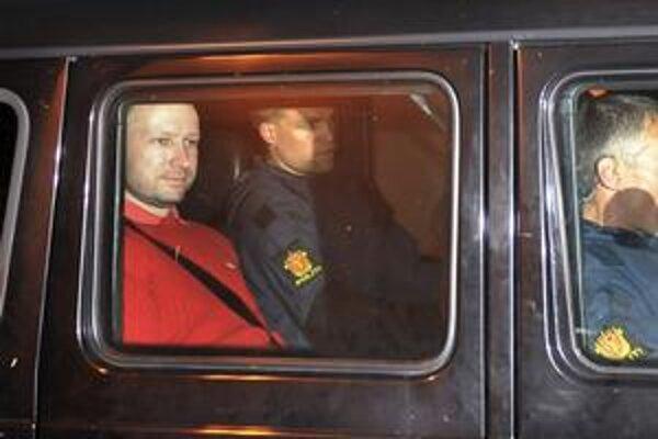 Podľa expertov žije Breivik vo vlastnom, pomýlenom svete.