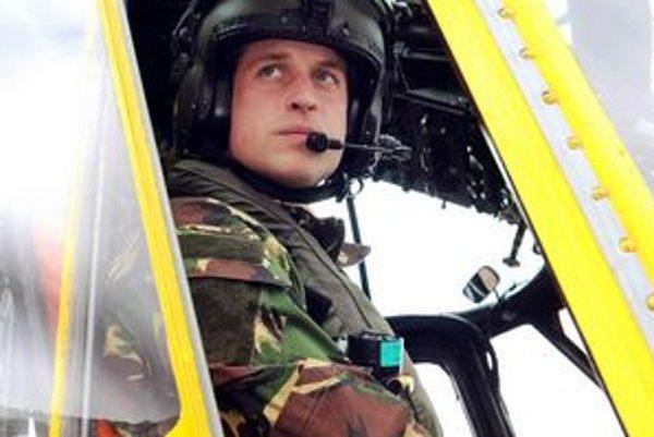 Princ William príde na Falklandy v uniforme Kráľovského letectva. Bude tam pilotovať záchranársku helikoptéru.
