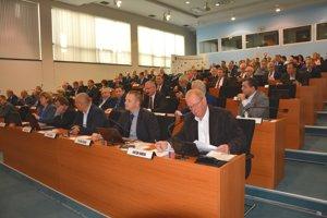 Krajskí poslanci schválili štvrtú úpravu rozpočtu ŽSK.