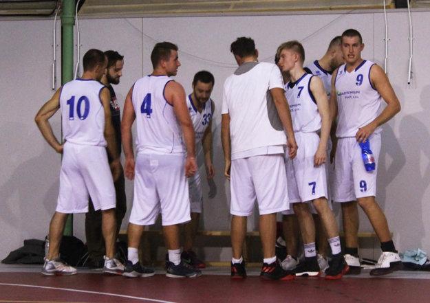 Basketbalisti BK Exit v prvom kole prehrali o jediný bod. Mali k dispozícii poslednú strelu, no tá sa odrazila od obruče von.