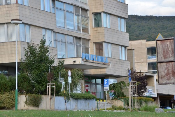 Nemocnica v Rožňave. V nej košický sudca rozhodoval o väzbe.