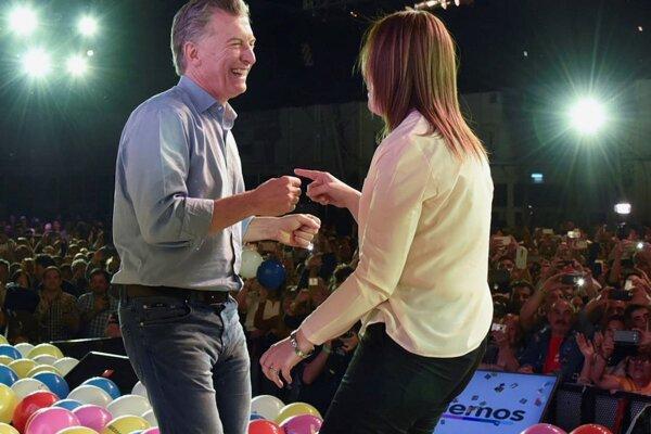 Strana argentínskeho prezidenta Macriho ovládla parlamentné voľby