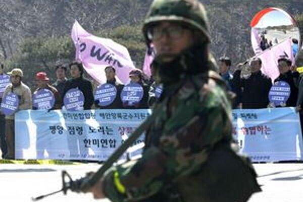 Niektorí aktivisti považujú cvičenie za zbytočnú provokáciu.