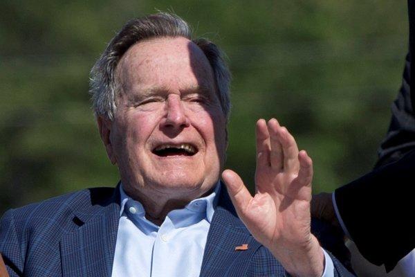 Georgea Busha staršieho opäť prijali do nemocnice