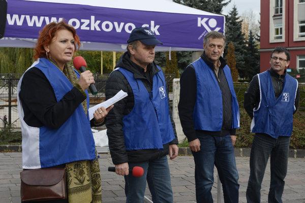 Na snímke zľava hlavná vyjednávačka a podpredsedníčka OZ KOVO Monika Benedeková, člen predsedníctva OZ KOVO Jozef Balica, predseda OZ KOVO Emil Machyna a člen predsedníctva OZ KOVO Ján Šlauka.