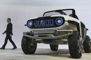 Suzuki e-Survivor - Predstava terénneho auta o 100 rokov podľa Suzuki. Prekvapivo vnútri stále nájdeme tradičné ovládacie prvky ako pedále a volant. O pohon sa starajú elektromotory v kolesách.