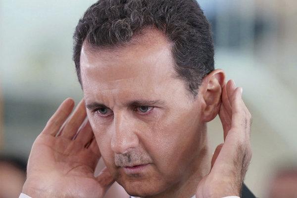 Asad navštívil frontovú líniu v Idlibe, Erdogana označil za zlodeja