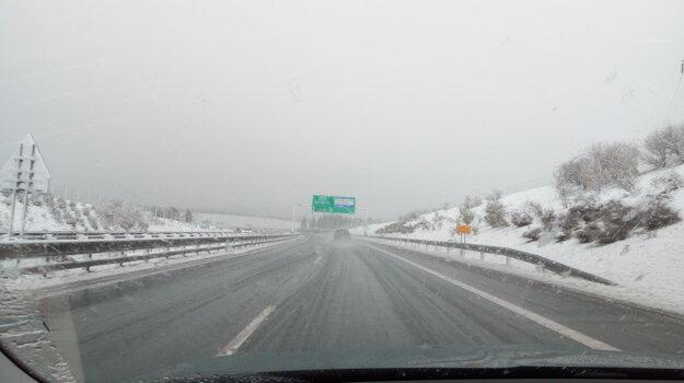 D1 v smere na Poprad v nedeľu predpoludním.