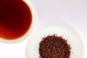 Výskum účinkov rooibosu je zatiaľ iba na začiatku. Predbežné dôkazy však naznačujú, že rooibosový čaj môže prospievať rastu a hustote kostí, ale aj znížiť riziko srdcových ochorení.
