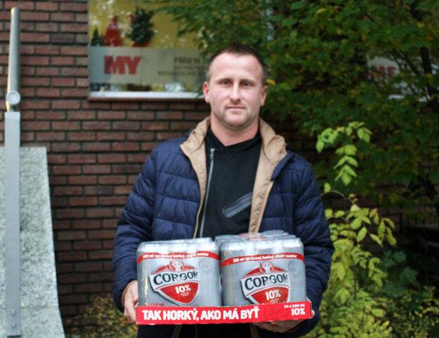 Víťazom 11. kola sa stal Marián Straňák z Hornej Kráľovej. Pre kartón piva Corgoň prišiel jeho syn Ľubomír, inak futbalista miestneho KFC.
