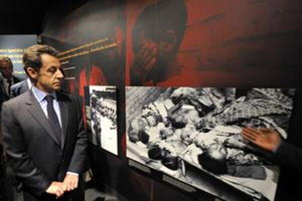Nicolas Sarkozy nemohol počas nedávnej návštevy rwandskej metropoly Kigali vynechať pamätník genocídy.