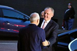 Prezident Andrej Kiska s budúcim županom BBSK Jánom Lunterom.