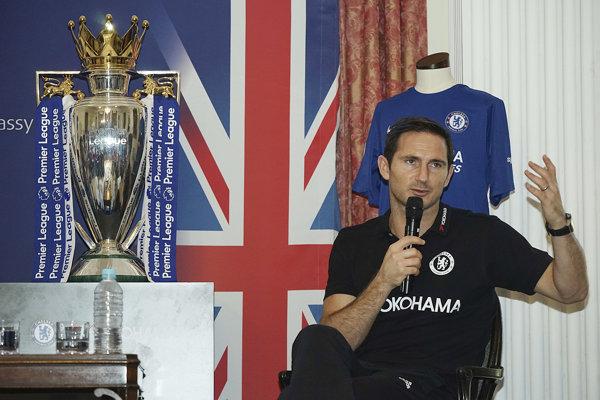 Bývalý anglický reprezentant Frank Lampard považuje technológiu videorozhodcu za prínos pre futbal.