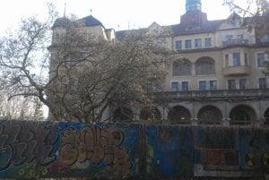 Bývalý hotel Slovan.