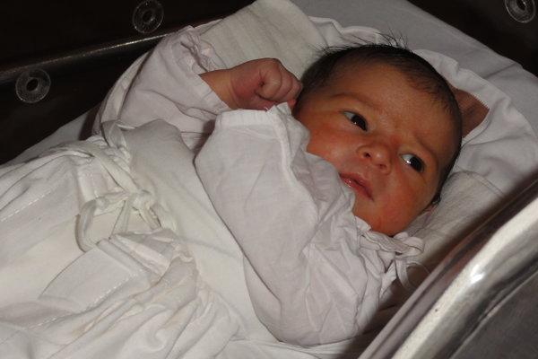 """Katarína Sogelová - Rodičia Anna a Ľuboš z Rakovej prežívajú v týchto dňoch obrovskú radosť. V pondelok 6. novembra sa im narodila dcérka   Katarína Sogelová ( 3350 g, 51 cm).  Meno   Katarína je gréckeho pôvodu a v preklade znamená """"čistá, mravná""""."""