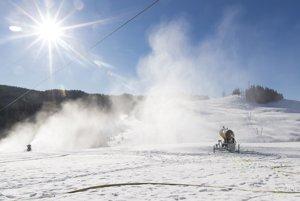 Snežné delo v lyžiarskom stredisku Park Snow Donovaly.