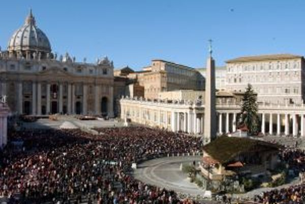 Námestie sv. Petra je vždy plné veriacich.