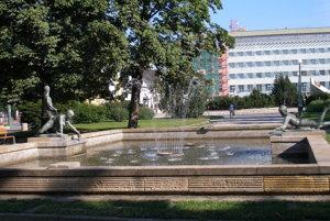 Krajský pamiatkový úrad v Prešove navrhol medzi pamätihodnosti zaradiť pioniersku fontánu na Námestí legionárov.