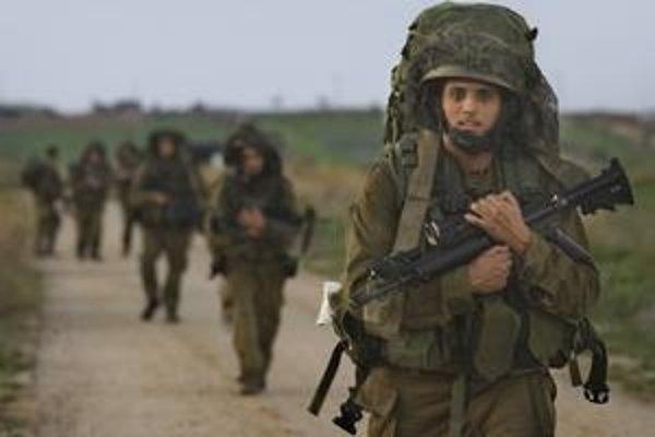 Izraelskí vojaci už opustili palestínske pásmo Gazy. Zanechali za sebou spúšť. Vyše 4tisíc budov bolo podľa BBC úplne zničených. Počas ofenzívy zomrelo okolo 1300 Palestínčanov.