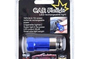 LED mini baterka - Malá a ľahko prenosná baterka s hliníkovým telom, ktorú jednoducho zasuniete do zásuvky na zapaľovač. Vydrží svietiť až 6 hodín a Ševt ju vo svojom e-shope ponúka za rovných 10 eur.