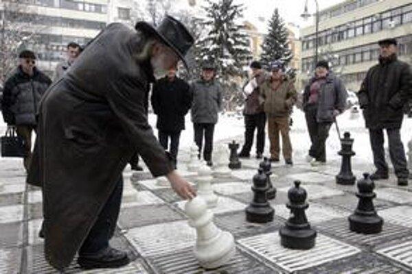 Šach sa v Sarajeve neprestáva hrať ani v zime.