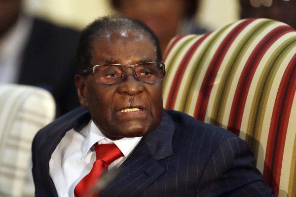 Robert Mugabe bol mnohými pokladaný za diktátora a hlavnú príčinu hospodárskeho úpadku krajiny, v ktorej takmer neobmedzene vládol 37 rokov.