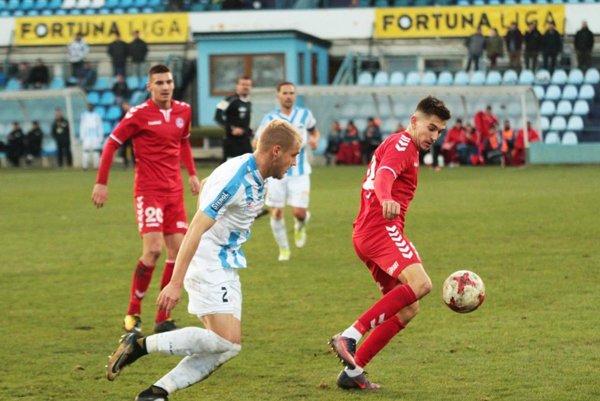 Pravý obranca Lukáš Fabiš v sobotu debutoval v prvej lige. Nesklamal.