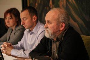 Ivan Petráš (v popredí) sa rozhodol ako mestský poslanec v Kremnici skončiť.