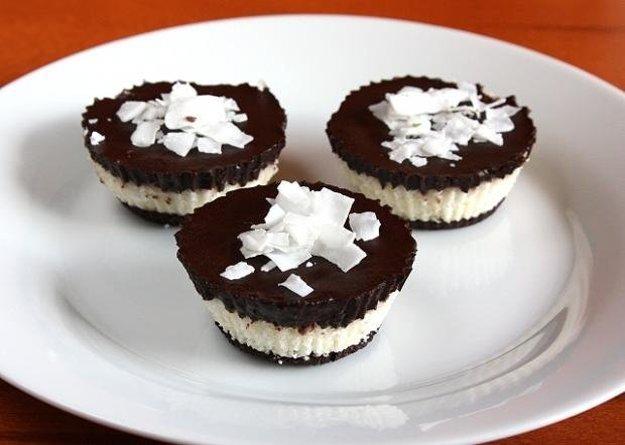 Raw čokoládovo kokosové košíčky